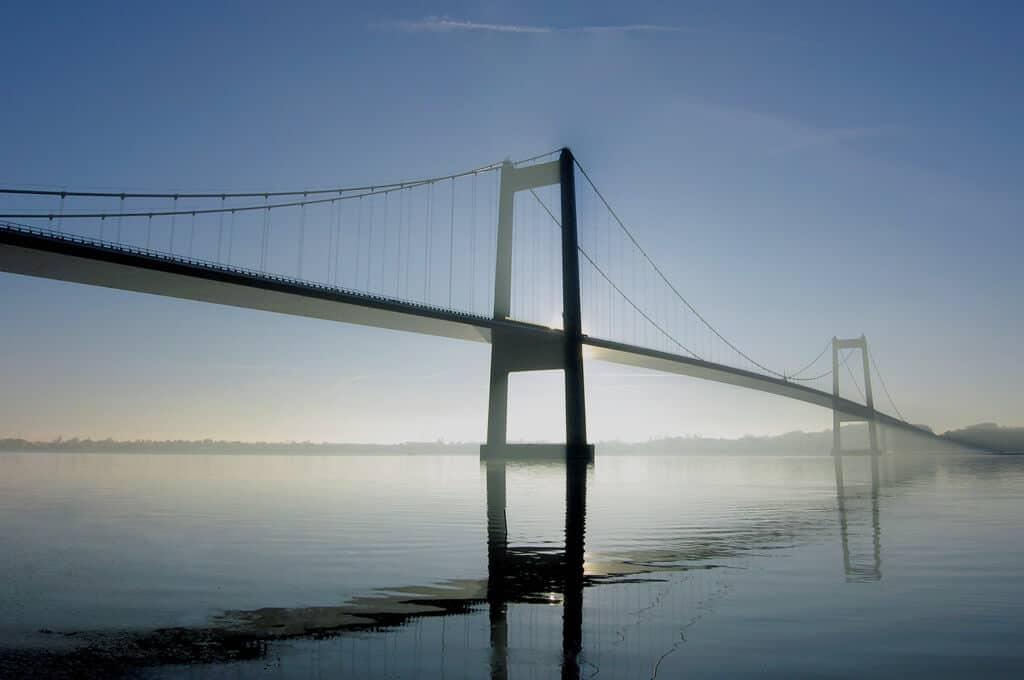 Newsletter Hero: Ihre Brücke zur Realität - SimPlan AG